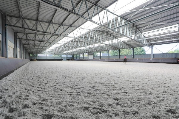 Jazdecká hala LLENTAB pre nitriansky HORSE CLUB