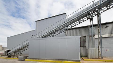 Výrobné haly pre betonársky priemysel, dodanie montovanej haly, oceľové haly LLENTAB