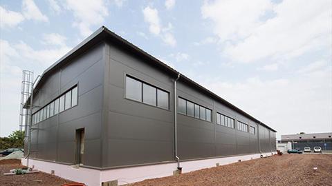 Predajny sklad vyroba a stavba - montovane oceľové haly LLENTAB referencia od zakaznika