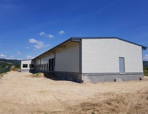 Dokončené stavby jún 2017: Skladová hala s administratívnou budovou v Trenčíne, výrobná hala v Topoľčanoch, dostavba odpadovej haly v Zohore