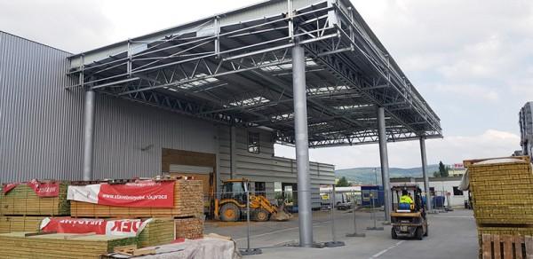 SK0263 – DEK Trenčín – strešná konštrukcia maloobchodnej dokončená 29. júna 2018