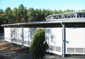 Rýchlokorčuliarska dráha v Göteborgu - široké využitie systému oceľových hál LLENTAB