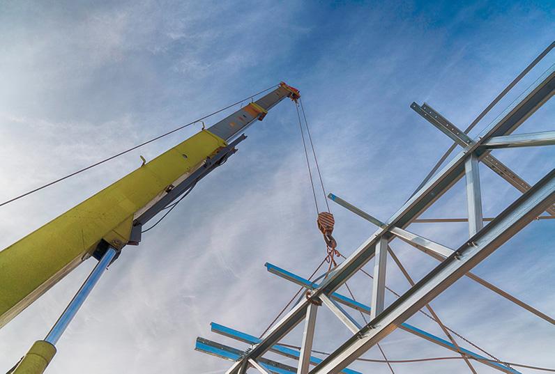 výstavba hal v marci